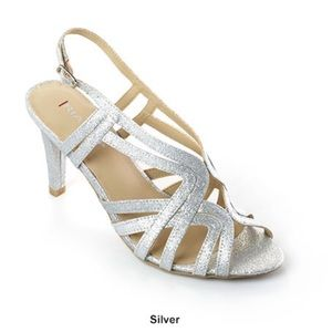 NIB Rialto 8.5 silver sparkly strappy evening heel